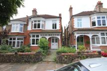 Flat to rent in London, N21