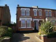 London semi detached property to rent