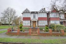 6 bedroom semi detached house in London, N21