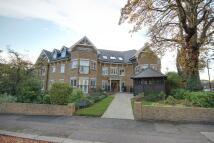 Flat for sale in Enfield, Middlesex, EN2