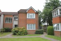 Maisonette to rent in Heatherwood Drive, Hayes...