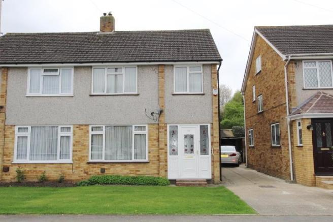 bedroom semi detached house for sale in langdale drive hayes