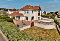 4 bedroom Detached property for sale in North Cliffe, Tenby...