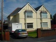 3 bedroom semi detached house in 124 Elkington Road...