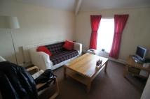 Howard Gardens F3 Flat to rent