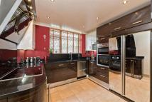 4 bedroom semi detached house for sale in Chingford