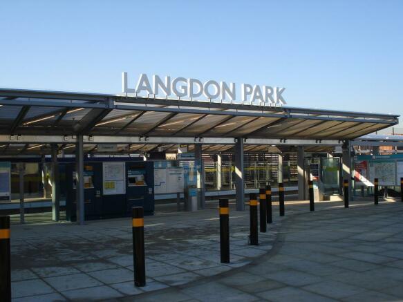 LANGDON PARK DLR