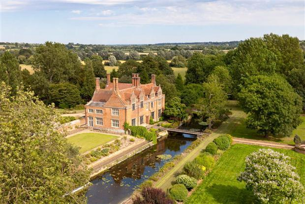 10 bedroom manor house for sale in bures co8 for Manors for sale in usa