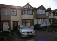 3 bed Terraced home in Oakleafe Gardens, Ilford