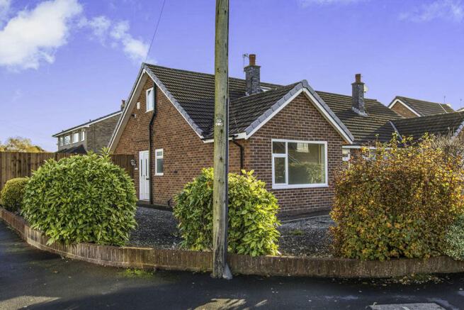 3 bedroom semi-detached bungalow for sale in Tinkerfield ...