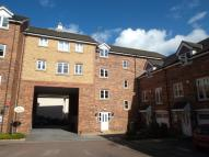 Flat in Moorcroft Court, Ossett...