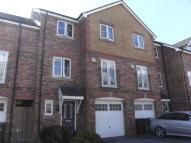 4 bed semi detached home for sale in Moorcroft, Ossett, WF5