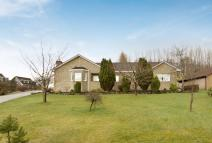 6 bedroom Detached house for sale in CHAPELTON ROAD...