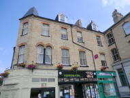 3 bedroom Apartment in Station Square...