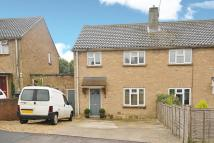 3 bedroom semi detached house in Hill Close...