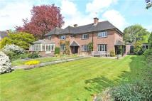 5 bed Detached house for sale in Howell Hill Grove, Epsom...