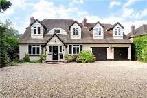 4 bedroom Detached home in Starrock Lane, Chipstead...