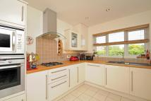 Detached property in Wheatley, Oxfordshire