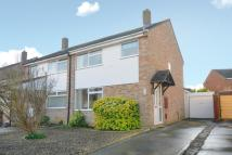 3 bed semi detached house in Rowan Close, Kidlington
