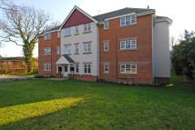 2 bed Flat in Lightwater, Surrey