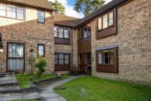 1 bedroom Flat for sale in Lightwater, Surrey