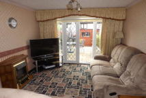 2 bed house in Chingford Mount