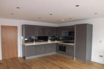2 bed Flat to rent in Chingford, London E4