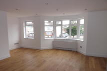 Flat to rent in Chingford, E4