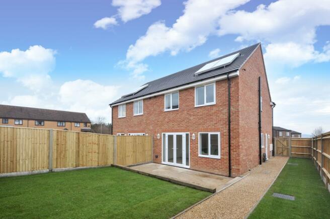 3 bedroom house for sale in newbury berkshire rg14