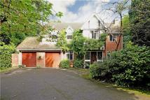 5 bed Detached house in Church Road, Fleet...