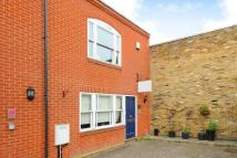 End of Terrace property in St Margarets, TW1