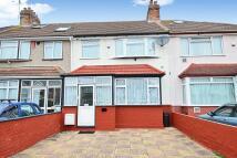 3 bedroom Terraced property in Hounslow, TW3
