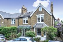 4 bedroom property in Gloucester Road, Kew