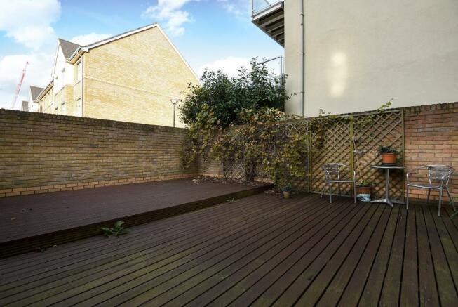 Exterior-Decked Garden