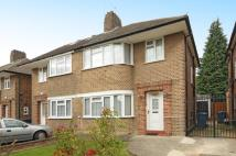 3 bedroom semi detached house in Edgware, Middlesex