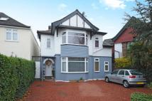 4 bedroom Detached house in Edgware, Middlesex