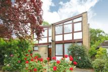 4 bedroom Detached house for sale in Stanmore, Middlsex