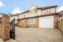 4 bedroom Detached house for sale in Edgware, Middlesex