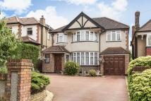 4 bedroom Detached property in Harrow Weald, Middlesex