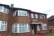 Flat to rent in Clayhall IG5