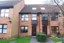 Flat to rent in Woodford Green