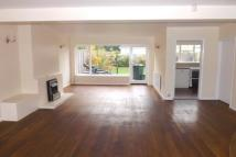 4 bed home in Meadow Walk, London, E18