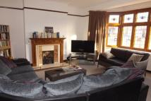 4 bed semi detached house to rent in South Woodford