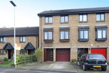 Town House for sale in Feltham, Middlesex