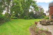 5 bed Detached property in Surbiton, Surrey