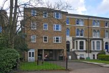 2 bedroom Flat for sale in Surbiton, Surrey