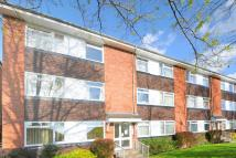 2 bedroom Flat in Surbiton, Surrey