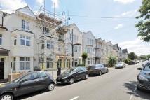 2 bed Flat for sale in Surbiton, Surrey