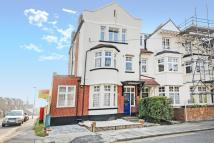 Flat for sale in Surbiton, Surrey