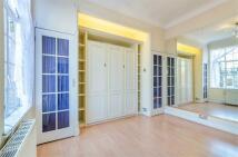 Flat to rent in Hallam Street, W1W